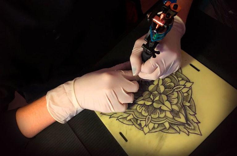 devenir tatoueur